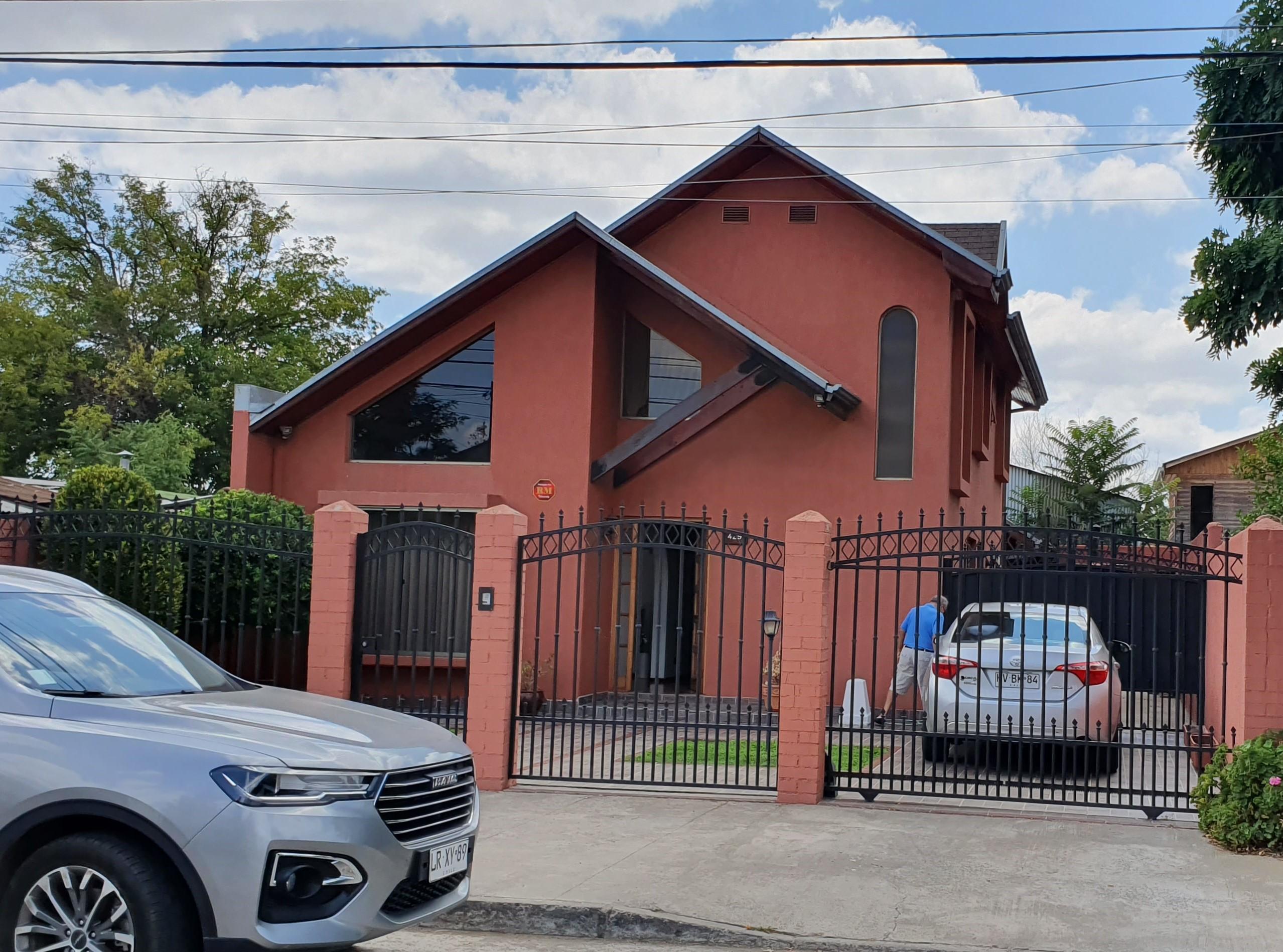 Vendo  amplia  casa a 3 cuadras Colegio Concepcion