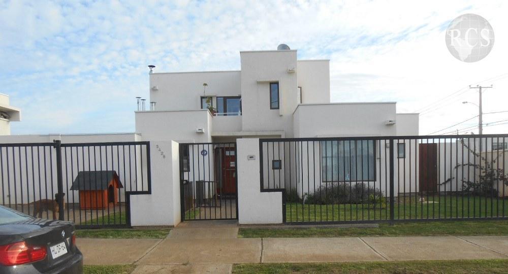 Arriendo  hermosa y amplia  casa  en Parcelas de Viña Esmeralda