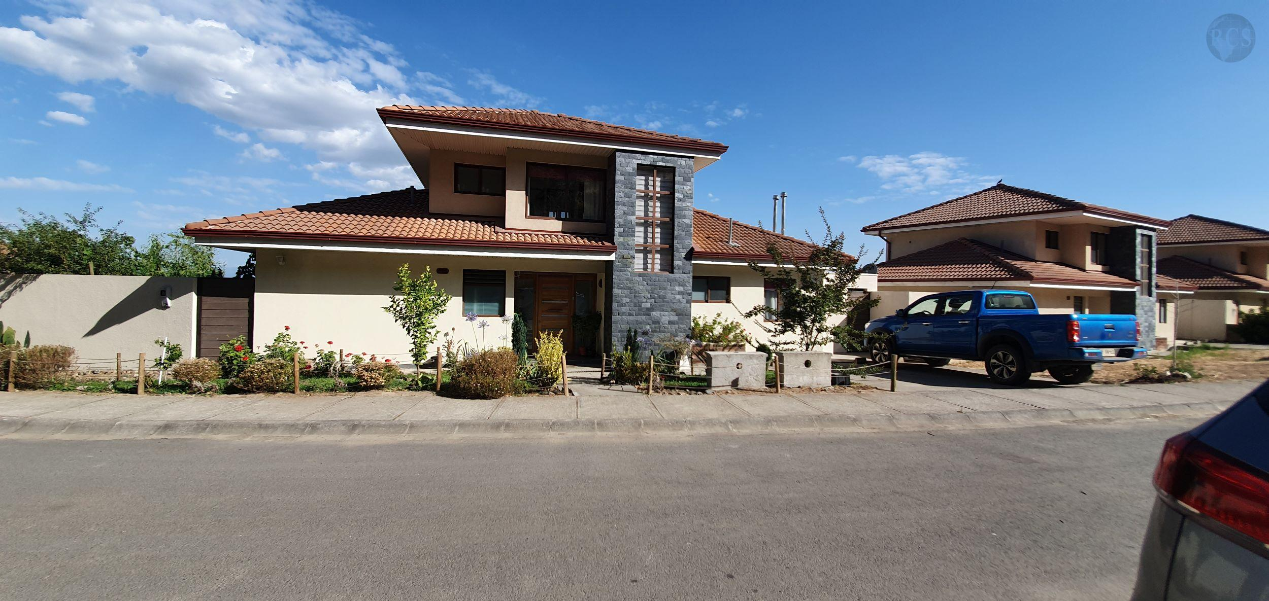 Vendo  amplia  y hermosa  casa en condominio Cerrado