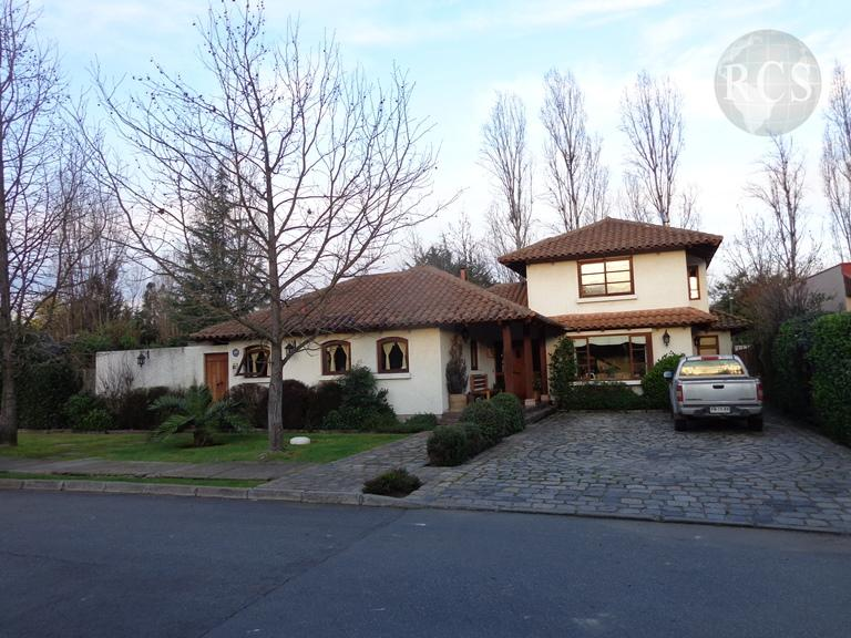 Vendo casa 217m2 en terreno de 1100m2, Jardin Esmeralda