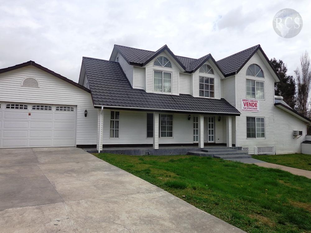 Vendo  hermosa  casa estilo  Canadiense, en terreno de 5000m2