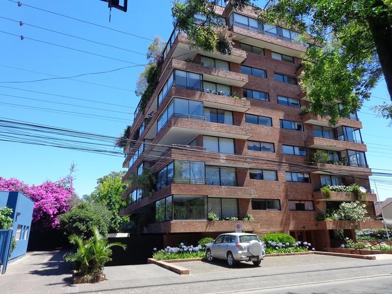 Vendo amplio departamento 228m2, en edificio Don Isidoro a una cuadra Plaza  de Armas